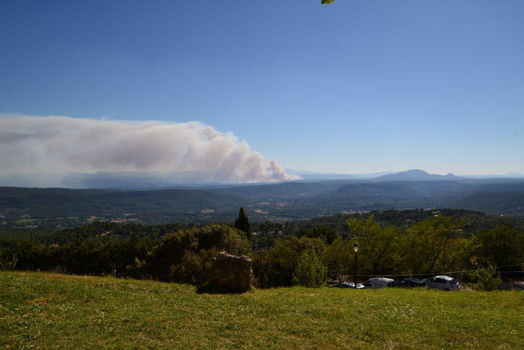 Her fra Tourtour kunne vi tydeligt se, at der var brand